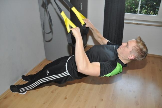 Rücken Training mit trx breit