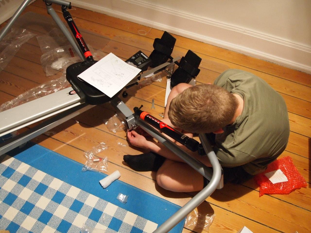 Hammer Rudergerät Aufbau