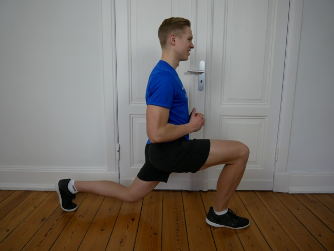 Gymnastik Übung - Ausfallschritt