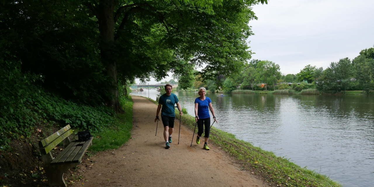 Nordic Walking – gesünder als Joggen?