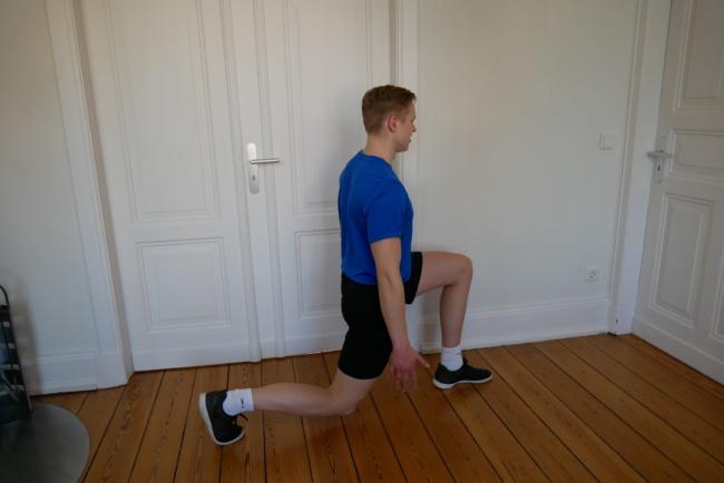 Frühsport Übungen Ausfallschritt