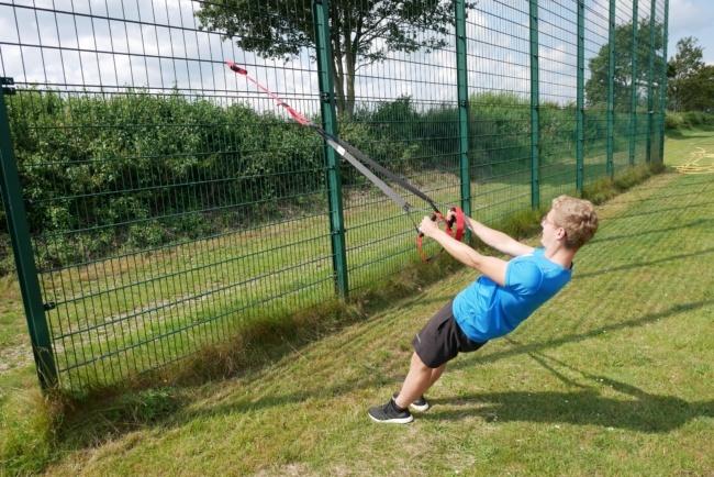 schlingentrainer uebung rudern eng