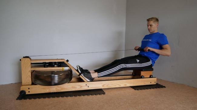 Wasser rudergerät training