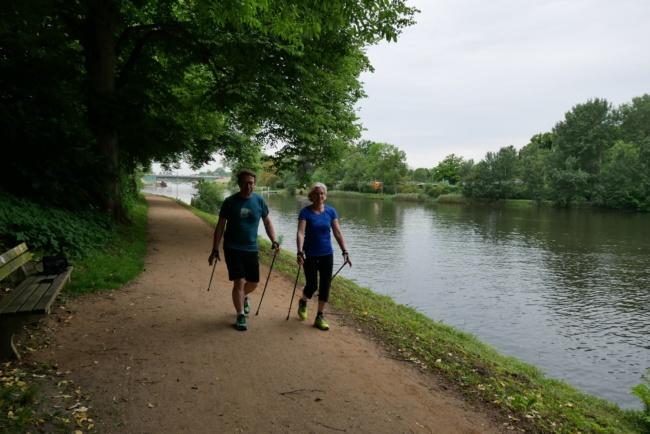 abnehmen mit nordic walking